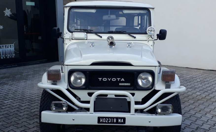 Toyota Land Cruiser BJ42 1982